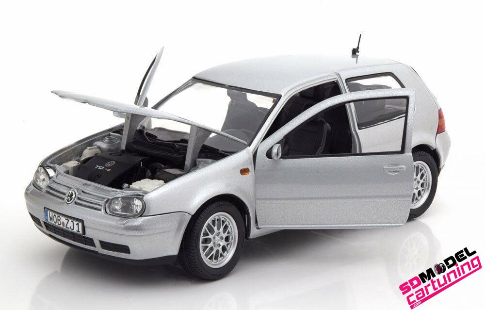 1:18 Volkswagen golf IV Zilver