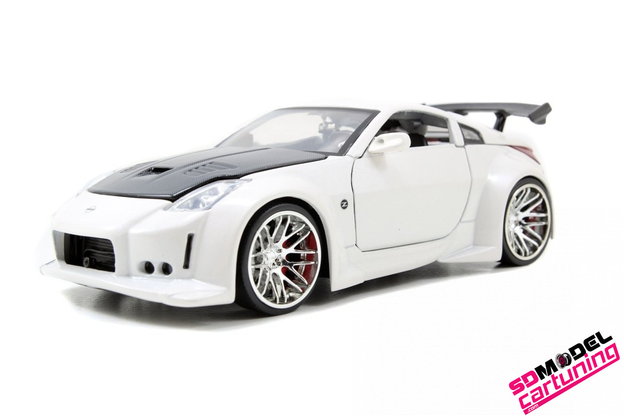 1:24 Nissan 350Z drift Parelmoer wit