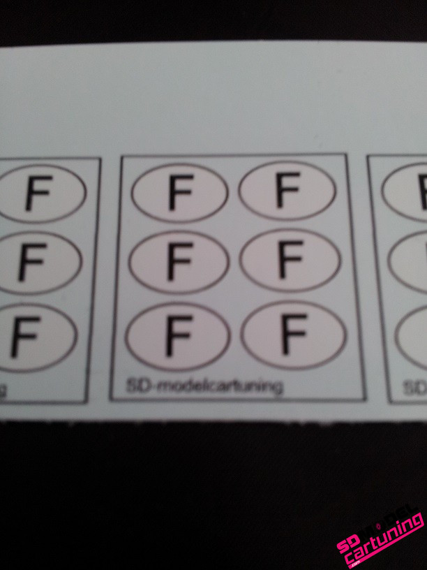 1:18 Ovale land logos: F (Frankrijk)