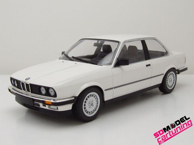 1:18 BMW E30 323I 1982 Wit