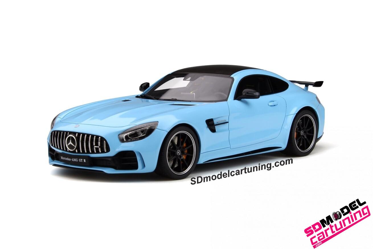 1:18 Mercedes AMG GT-R blauw