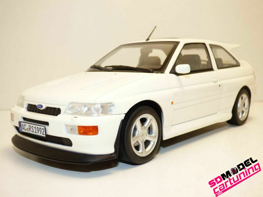 1:18 Ford Escort RS Cosworth 1992 Wit
