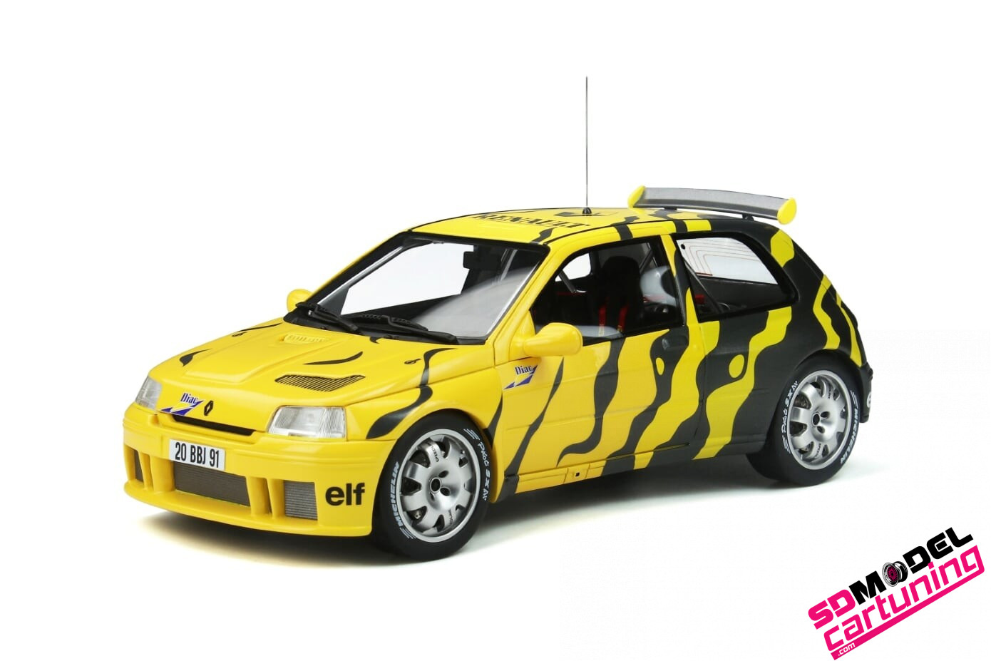 1:18 Renault Clio Maxi rally presentation